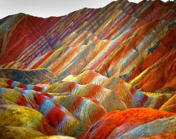 Montañas-arcoiris-Peru ori