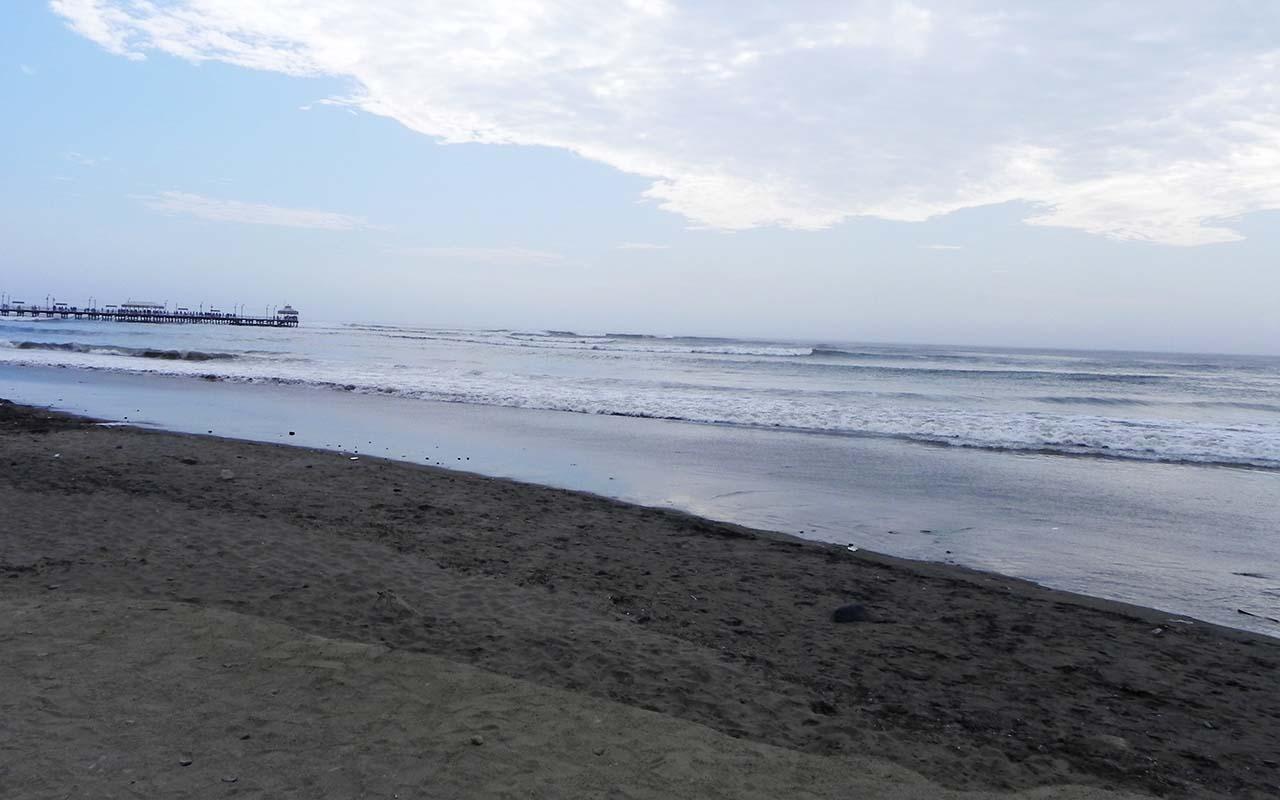 yasila beach - trip peru